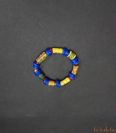 Bracelet africain multicolore en perles de verre recyclées