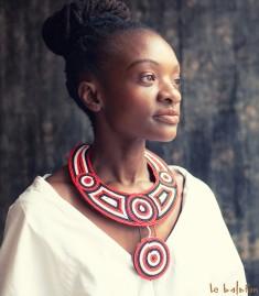 More about Collier plastron Massaï