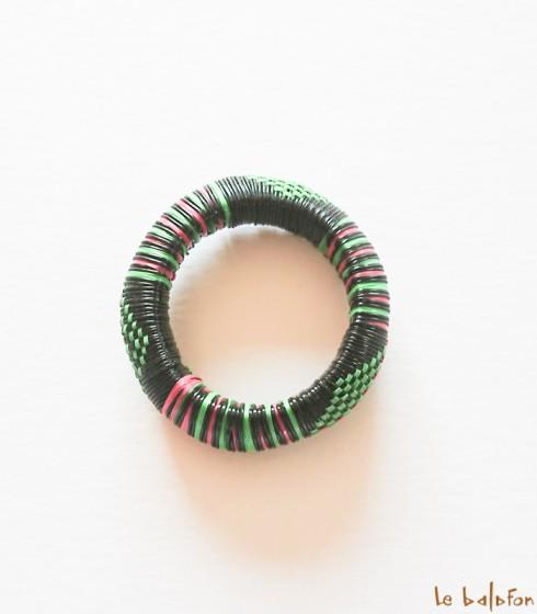 Bracelet africain en plastique recyclé